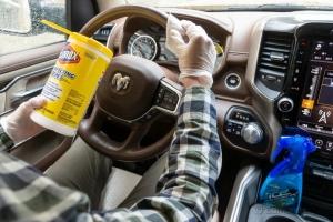 Поддържайте автомобила си чист, за да намалите риска от коронавирус